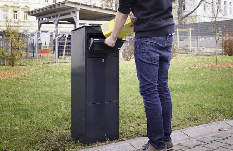 Paketeinwurf
