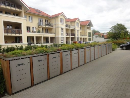 15er Mülltonnenbox Lärche Edelstahltür Pflanzdach