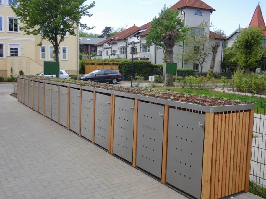 Mülltonnenbox mit Pfosten und Seiten- und Rückwand aus Holu