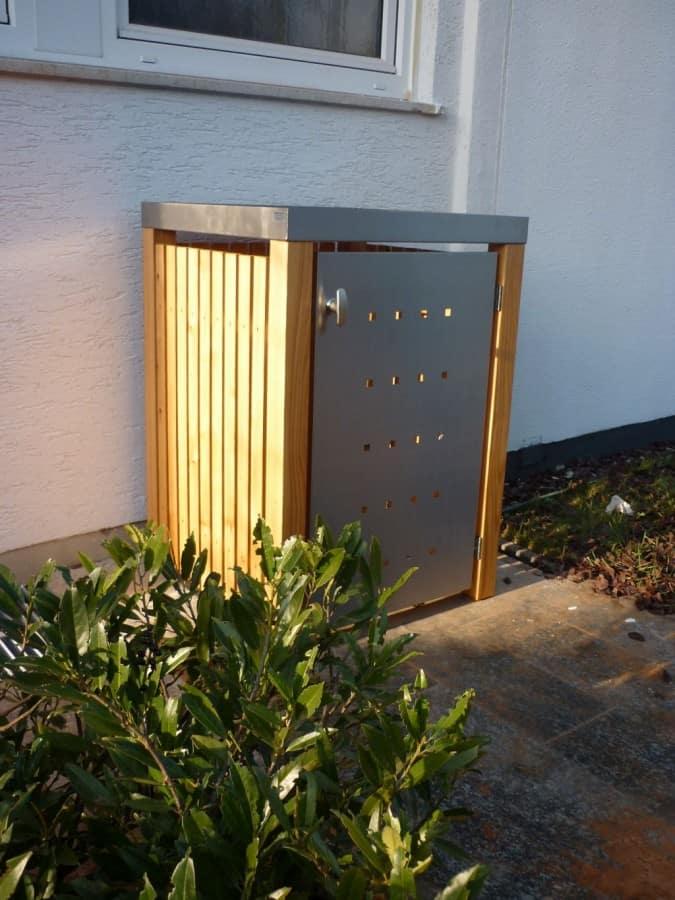 1er Mülltonnenbox Lärche Edelstahltür Pflanzdach