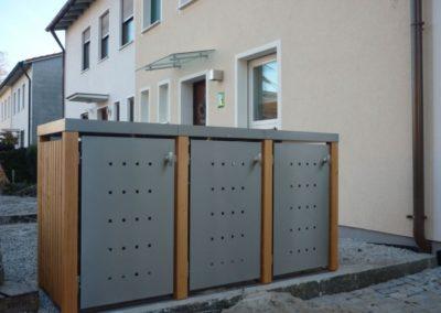 3er Mülltonnenbox Edelstahl Lärchepfosten Pflanzdach