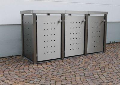 Mülltonnenbox Edelstahl Vierkantpfosten Pflanzdach Front