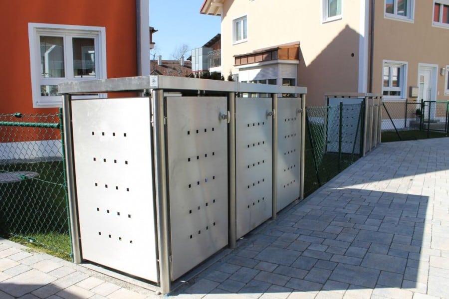 Mülltonnenbox Edelstahl mit Rundpfosten und Pflanzdach
