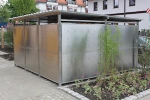 Mülltonnen-Häuser aus Edelstahl oder Douglasie