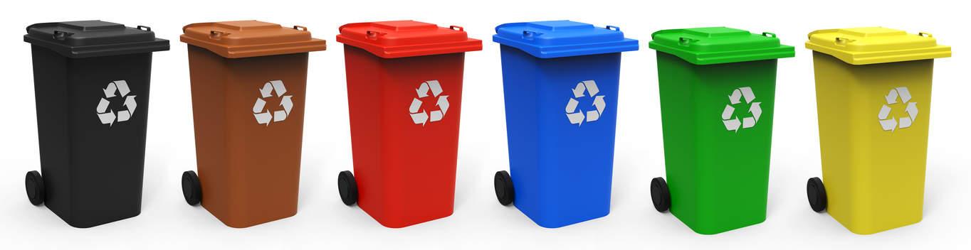 Mülltrennung in verschiedene Mülltonnen