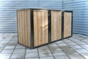 3er Mülltonnenbox Lärche vertikale Lattung Flachdach