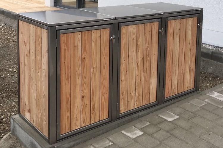3er Mülltonnenbox Lärche vertikale Lattung Klappdach