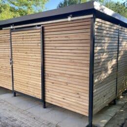 Mülltonnen-Haus aus Lärche Größe L3